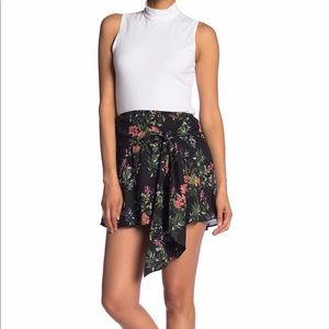 Parker Tie Front Floral Skirt Size Large NWT